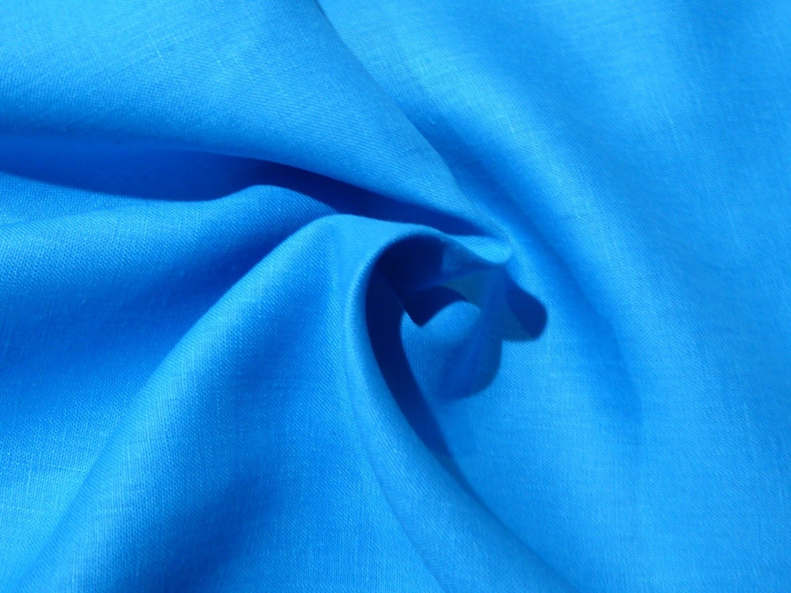Bright Turquoise Ocean Blue Linen Suiting Solid Perfect Summery Rh Beautifultextiles Com Pantone Color